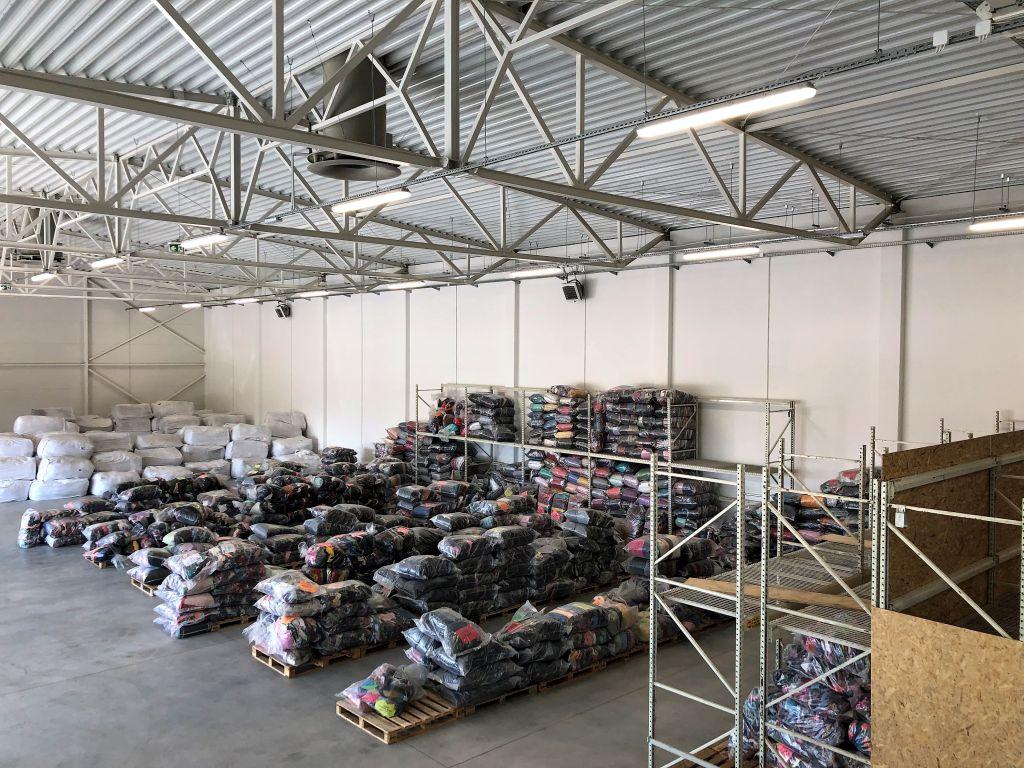 41f5ba0f7eac9f Jesteśmy bezpośrednim importerem odzieży używanej z USA. Naszym celem jest  dostarczenie na Polski rynek najwyższej jakości towaru w konkurencyjnej  cenie.